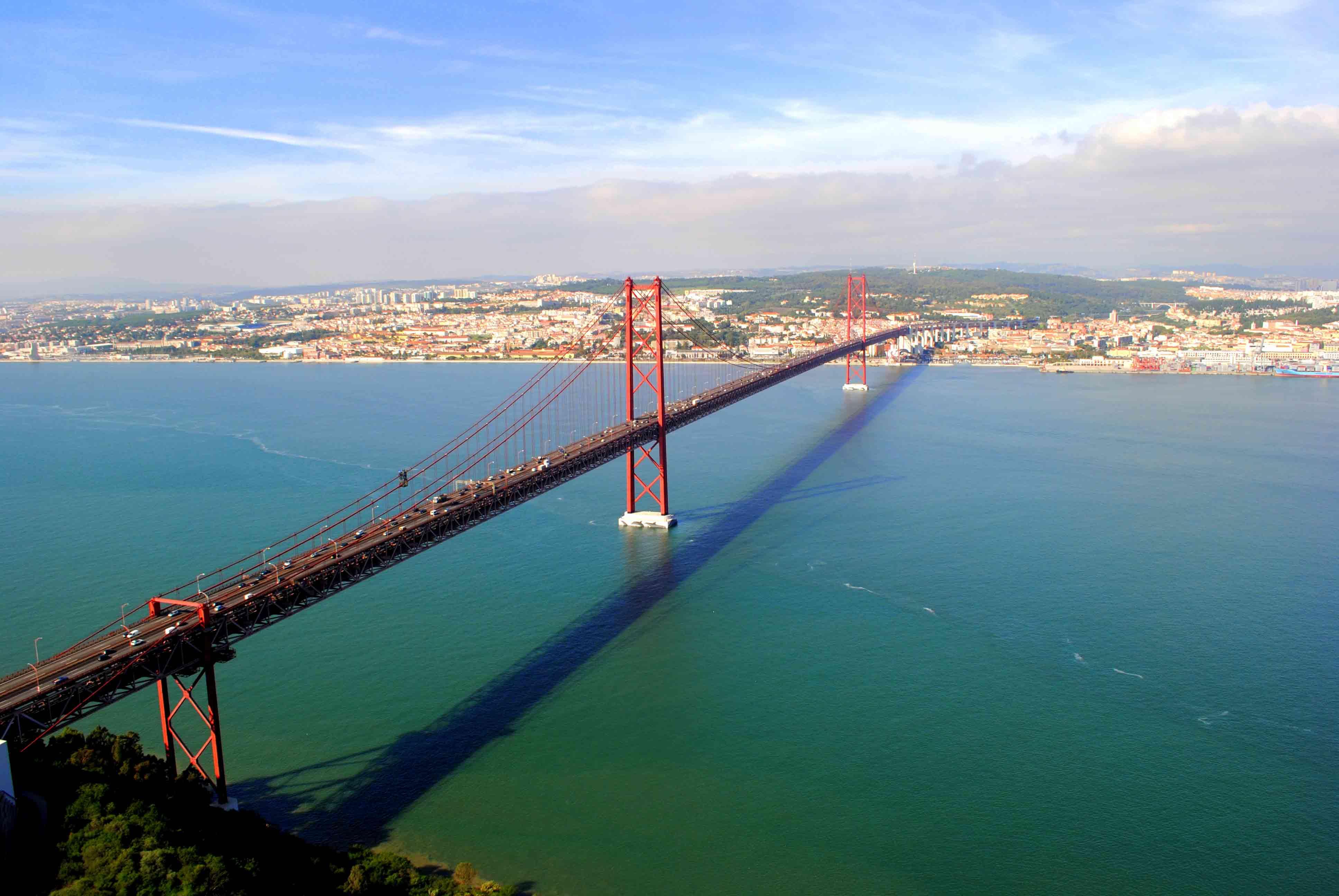 Lisboa I Puente 25 De Abril Cristo Rei