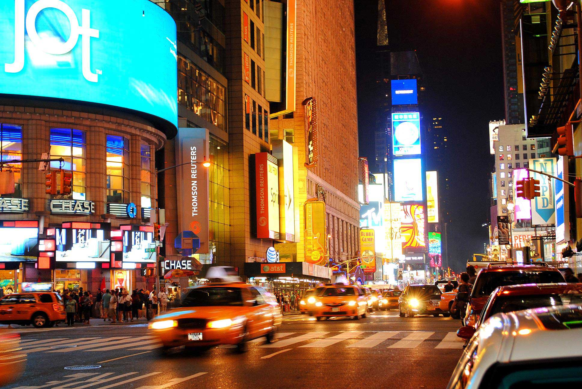 Fiesta de neón en Times Square. Nueva York 2012.