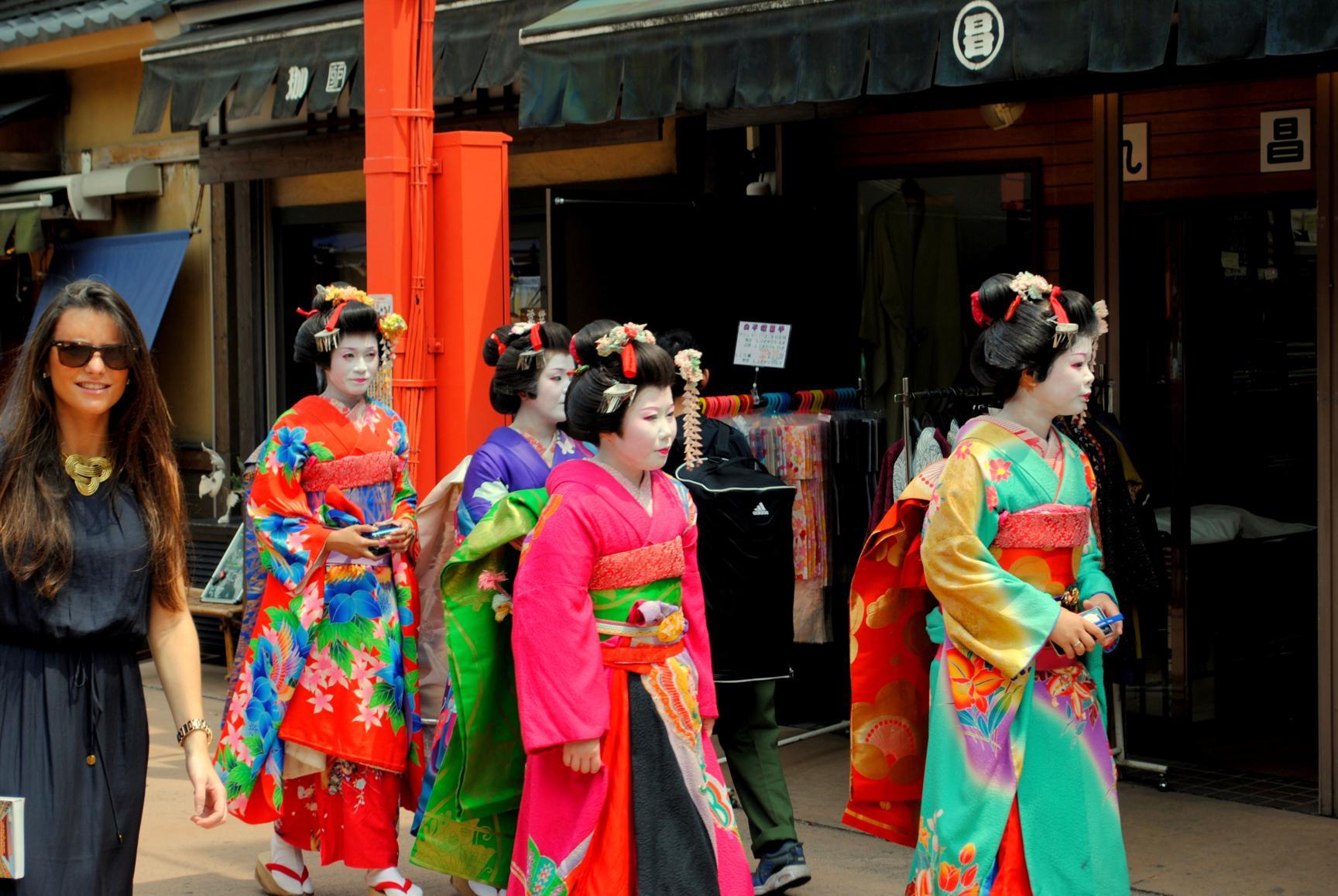 geishas_1