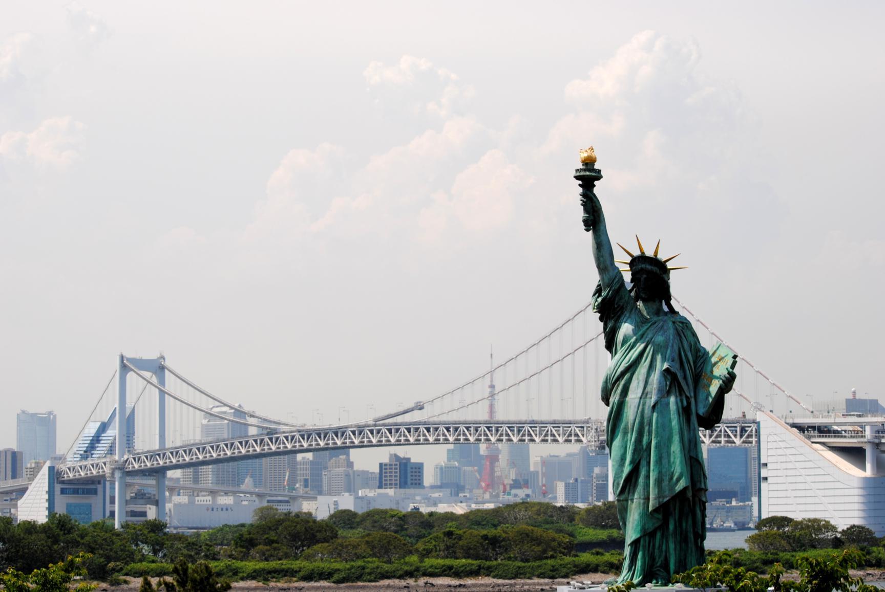 estatua libertad odaiba bahia tokyo