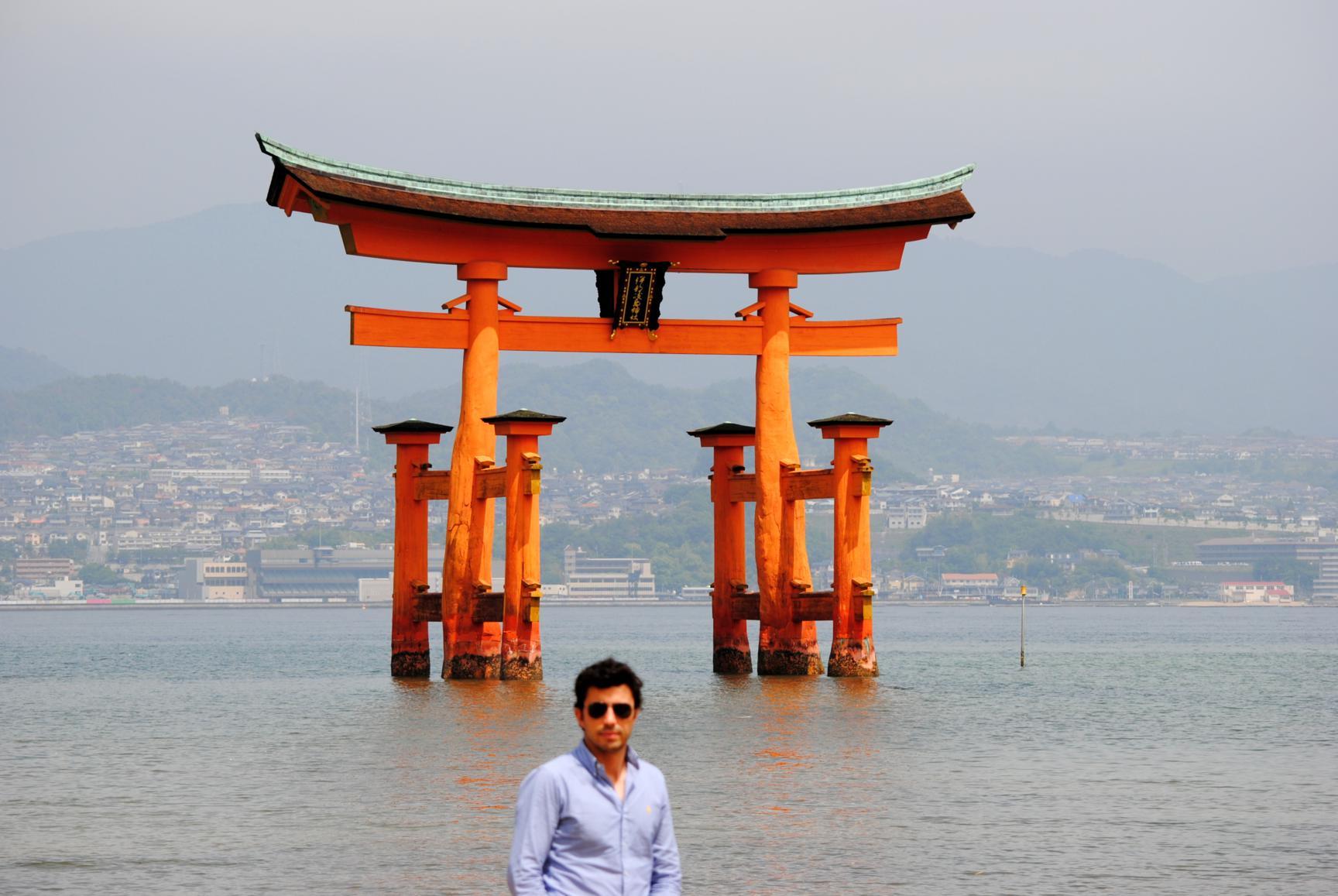 torii-miyajima-playa-1