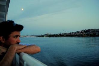 Anochecer sobre la ciudad. Crucero Cuerno de Oro. Estambul 2014.