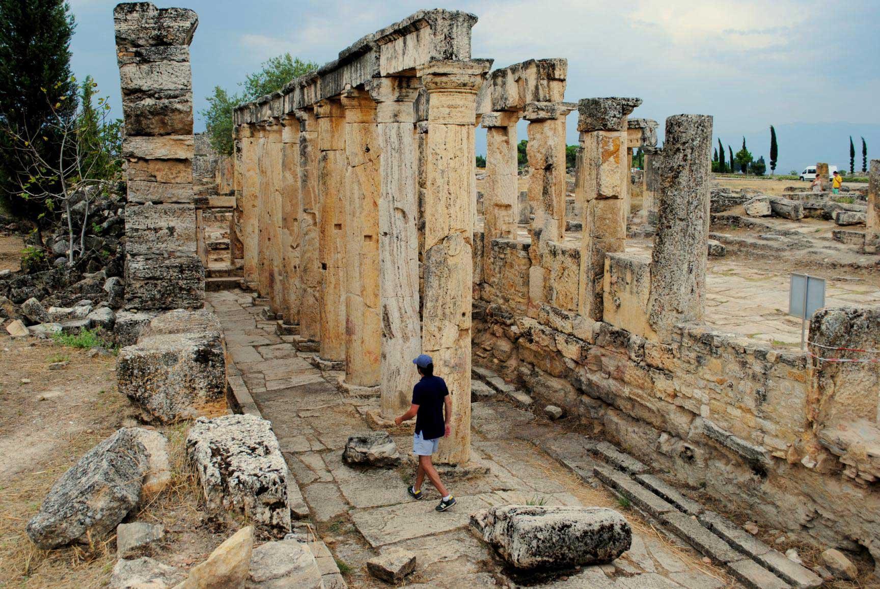 hierapolis-agora-1