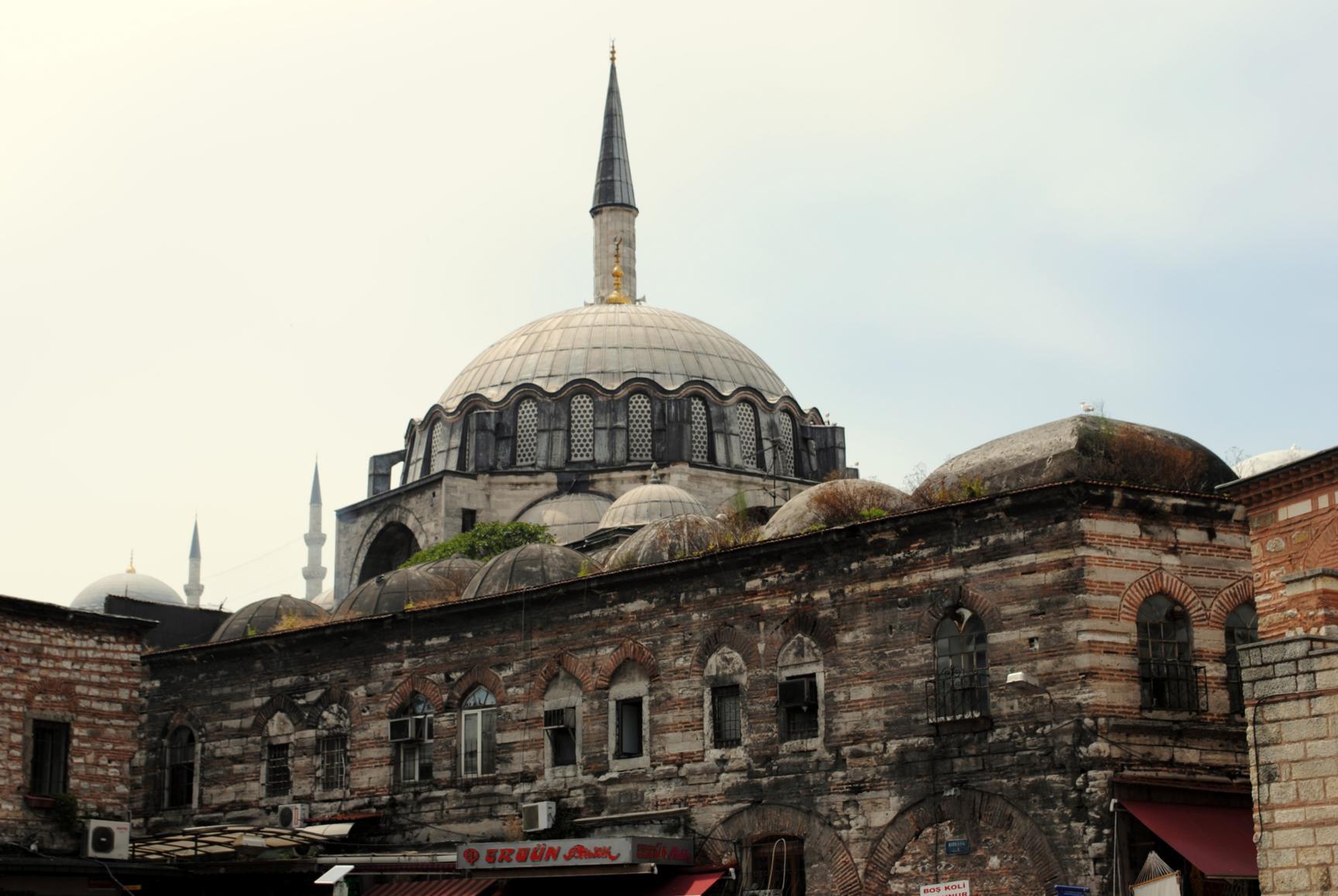 mezquita-rustempasa-1