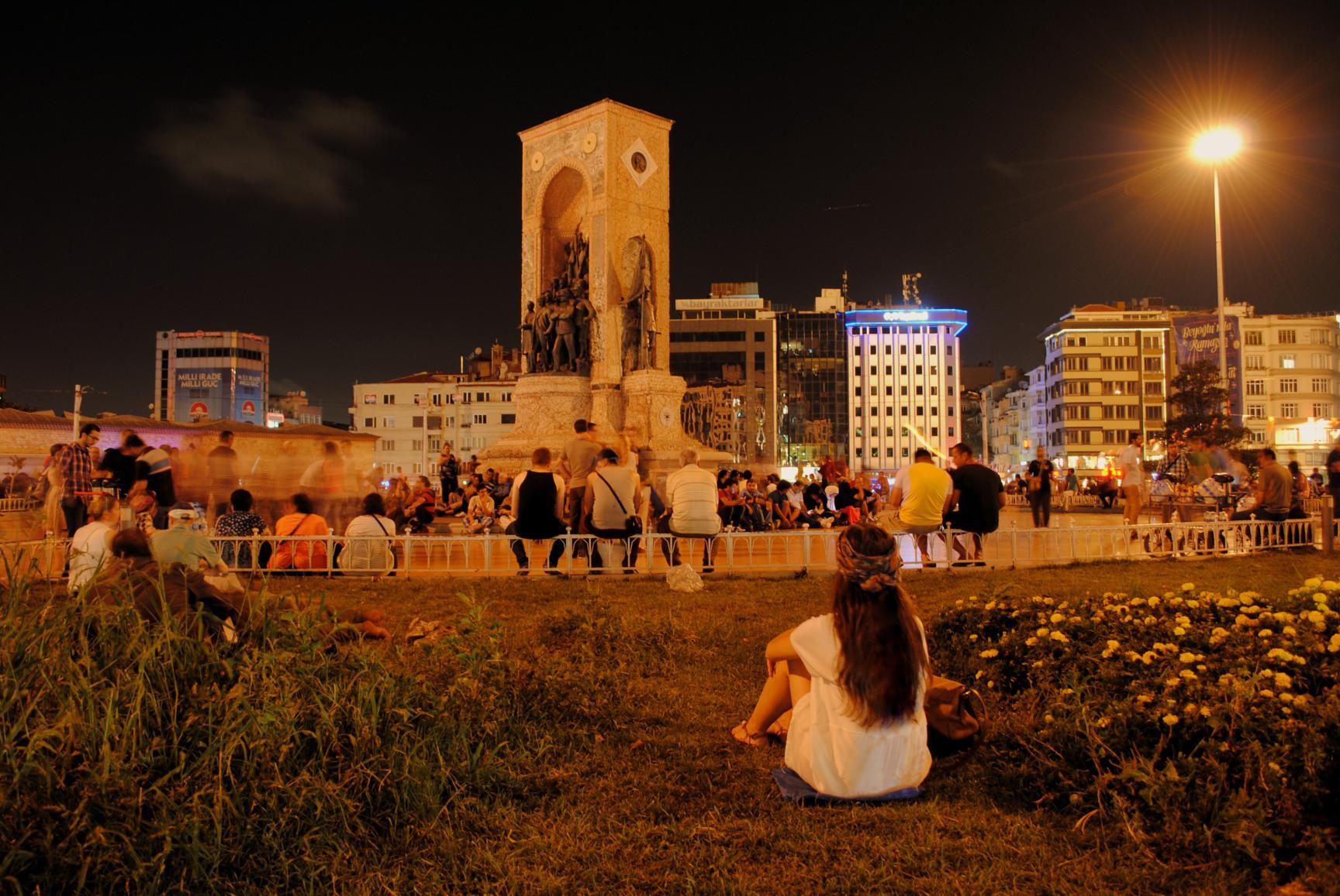 plaza-taksim-2