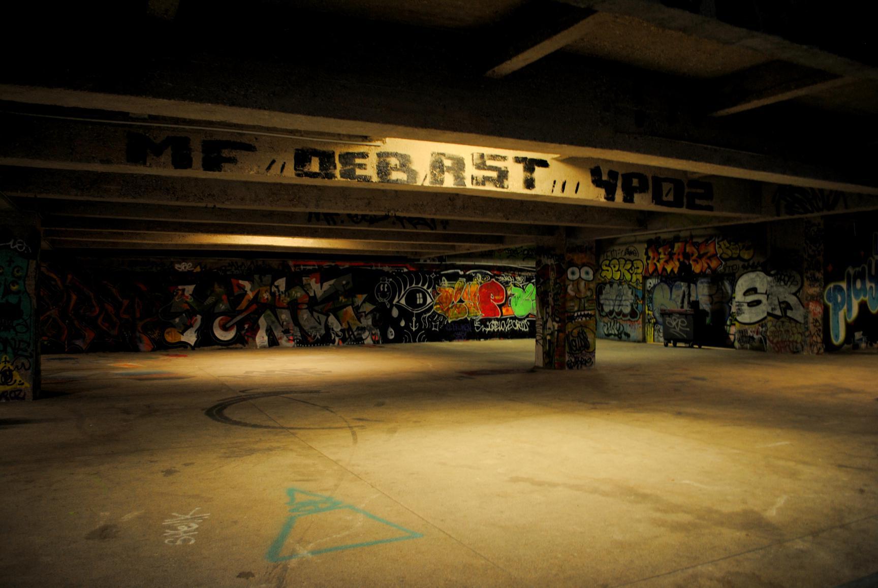 paris-bajos-grafittis-1