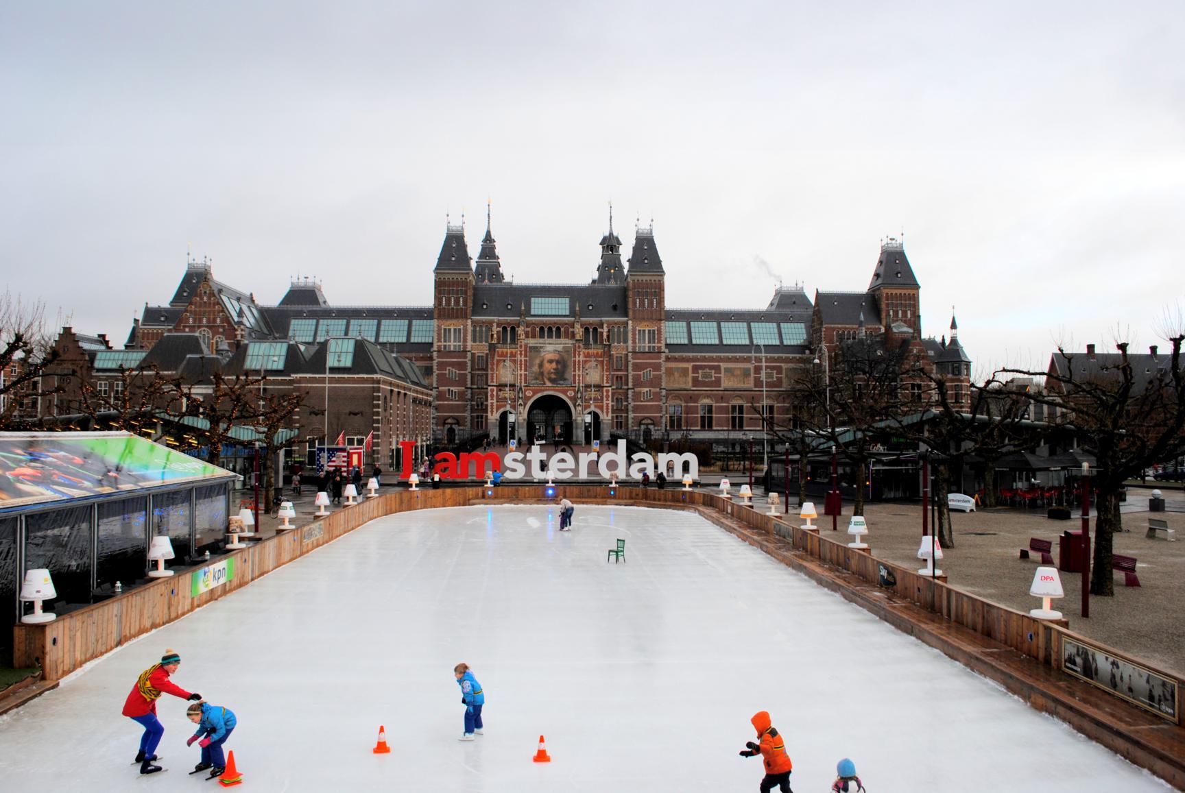 que-ver-amsterdam-museumplein