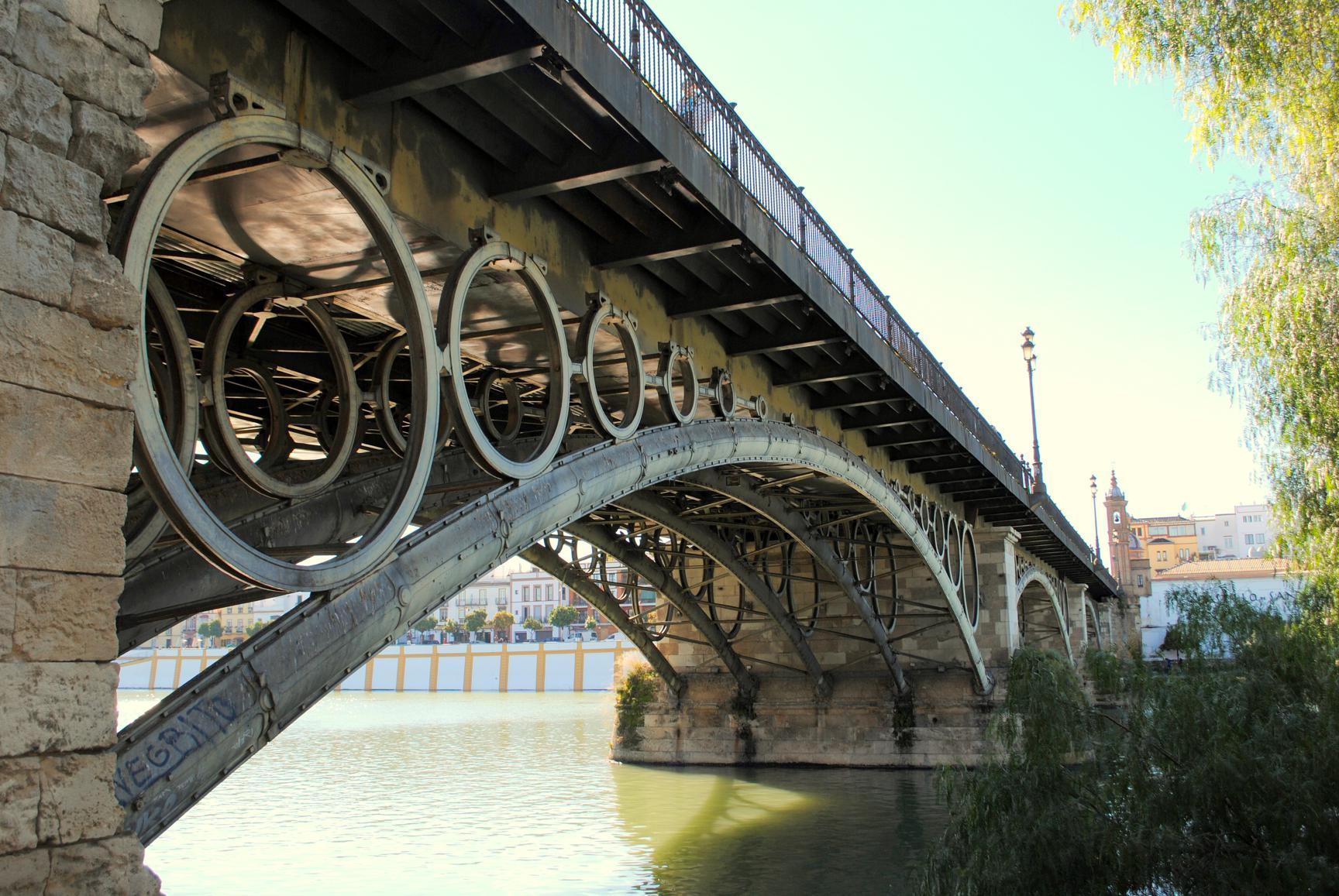que-ver-sevilla-guadalquivir-puente-isabel-ii