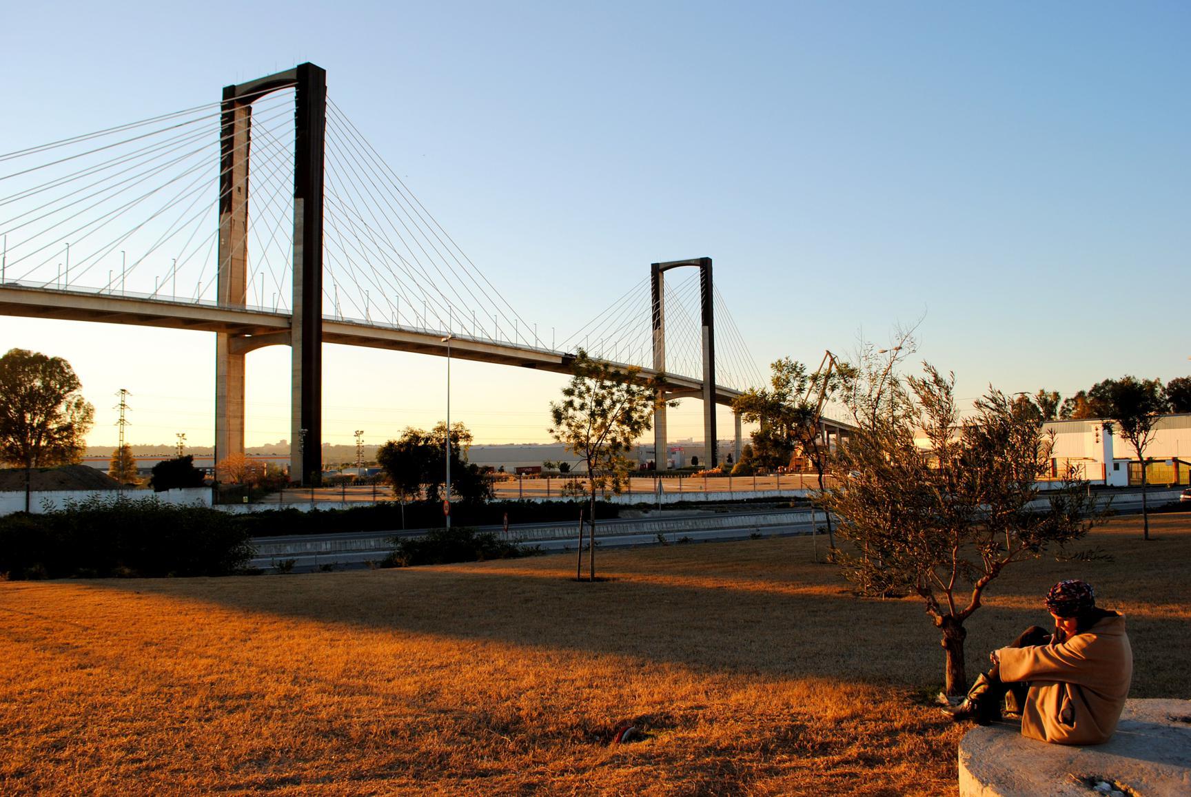 que-ver-sevilla-guadalquivir-puente-v-centenario