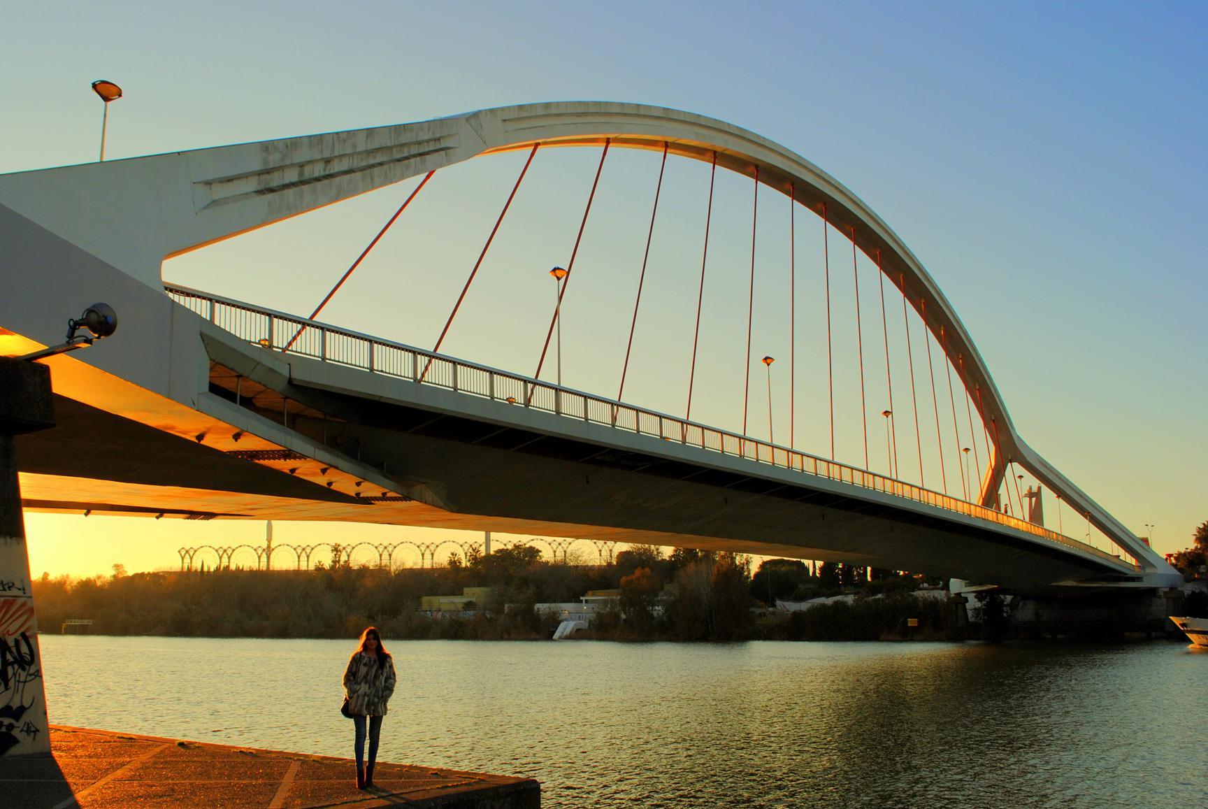 que-ver-sevilla-puente-barqueta