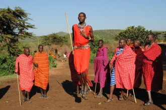 Ipid, baile tradicional de los guerreros masai. Kenya, 2015.