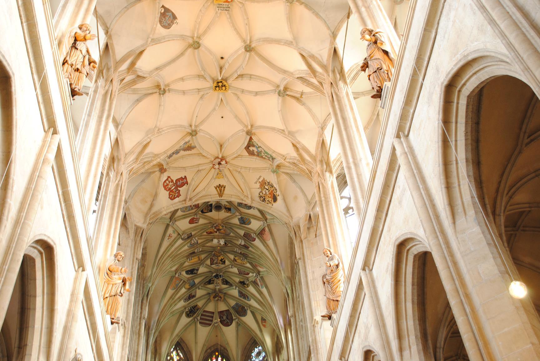 iglesia santa barbara kutna hora