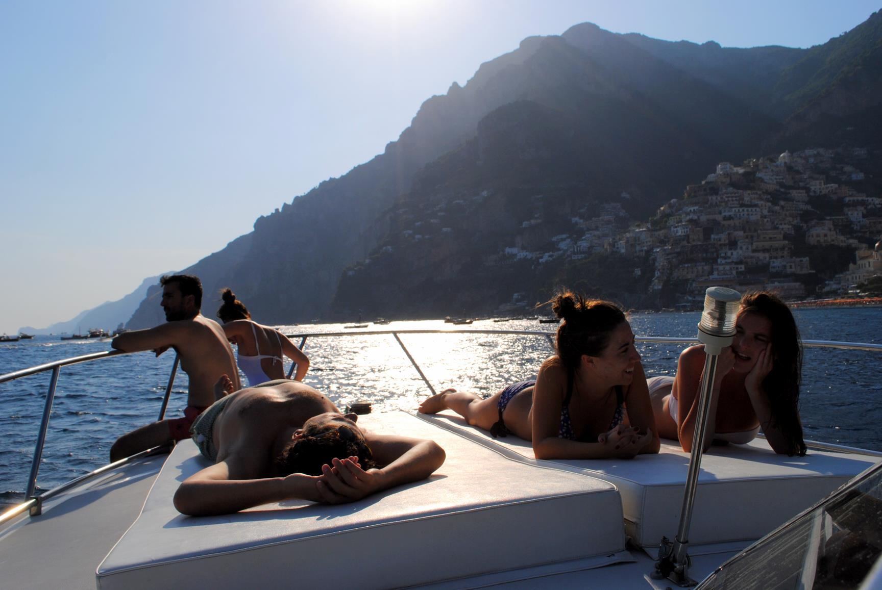 alquilar_barco_costa_amalfitana
