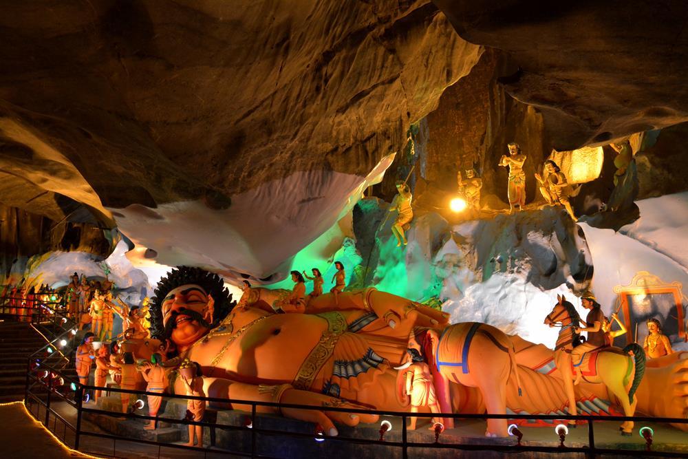 que-ver-kuala-lumpur-cueva ramayana