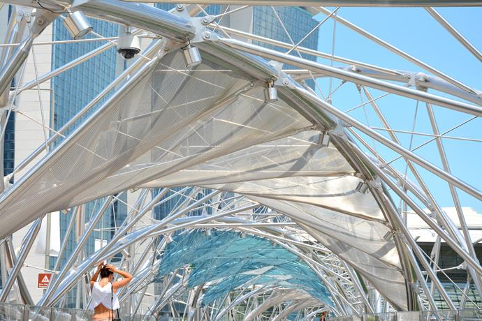 que-ver-singapur-pasarela-helix