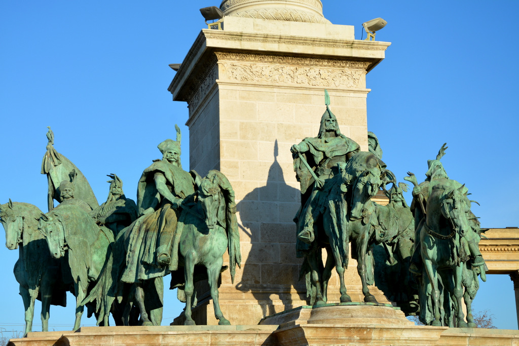 que-ver-budapest-plaza-heroes-1