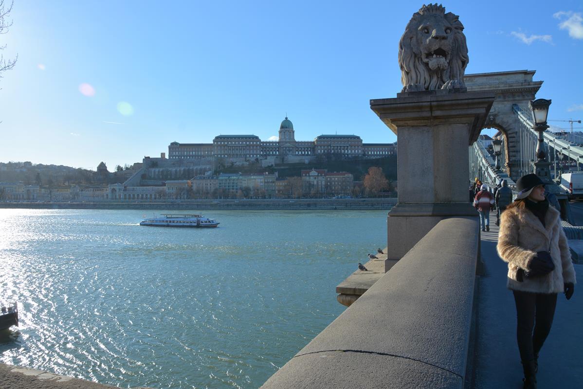 que-ver-budapest-puente-cadenas-1