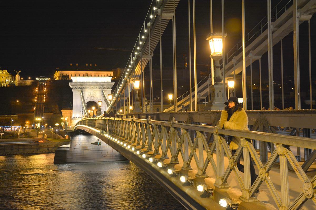 que-ver-budapest-puente cadenas