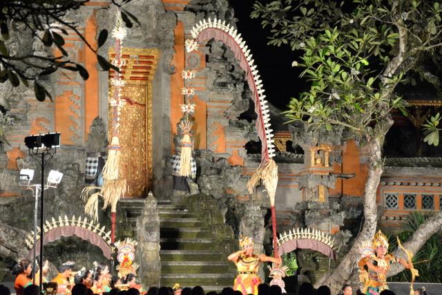 que-ver-ubud-taman-kemuda-saraswati-1