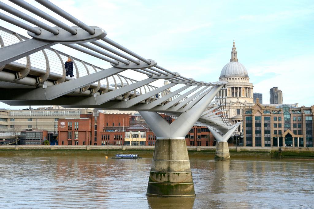 que-ver-londres-millenium-bridge-2