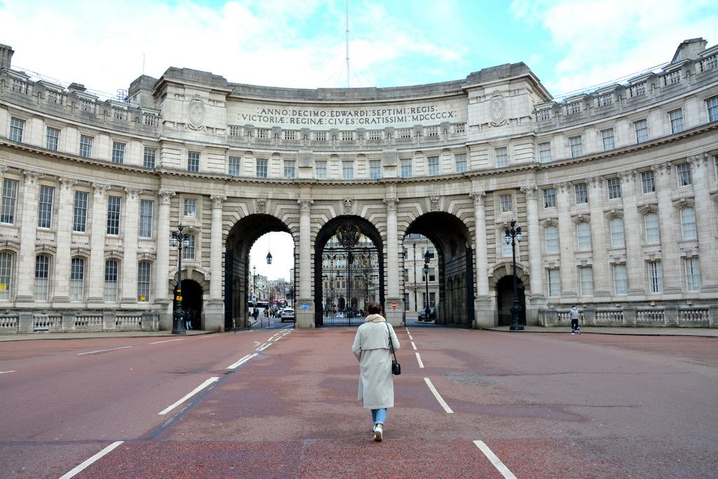 que-ver-londres-palacio-trafalgar-square-1